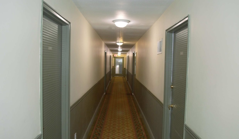 135 - Carpeted Hallway 2