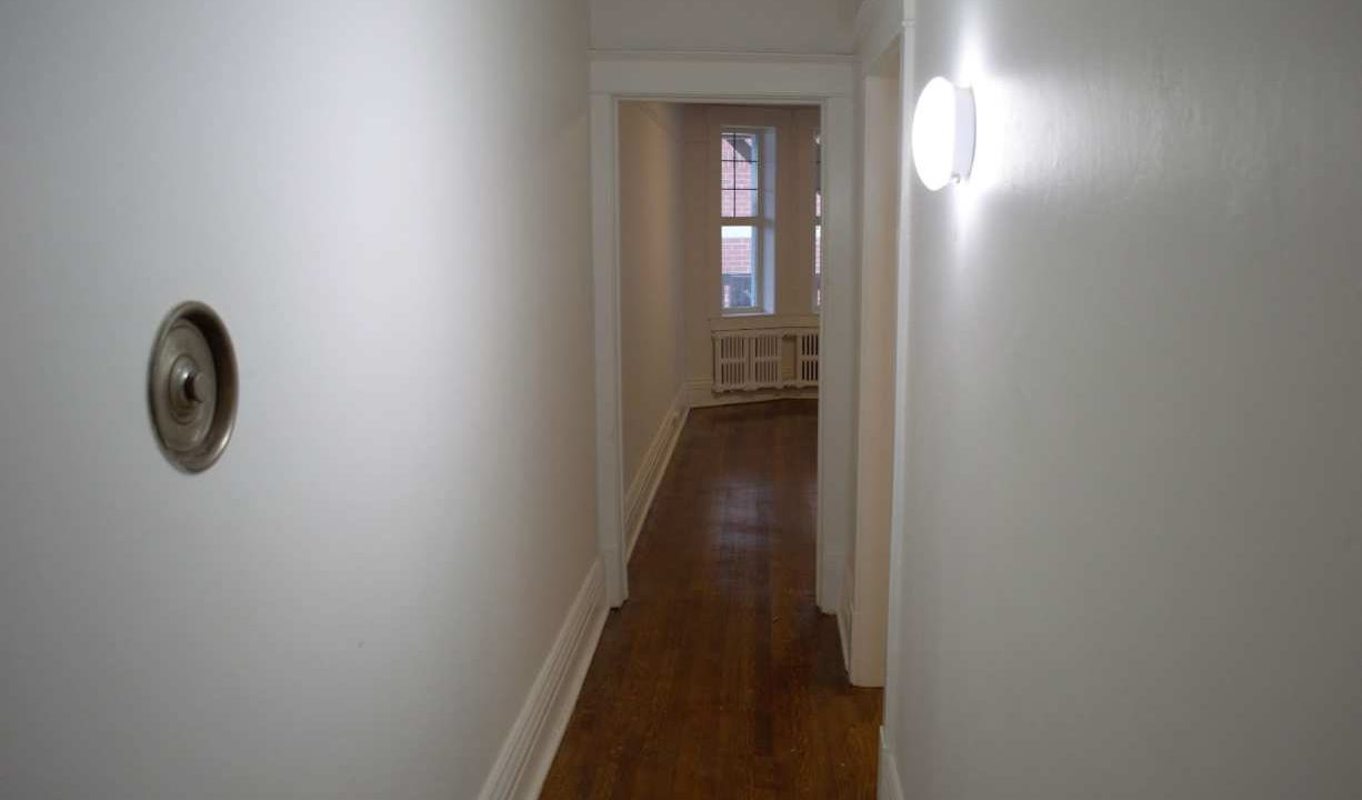 Glen Road - 3 bedroom hallwaysmall