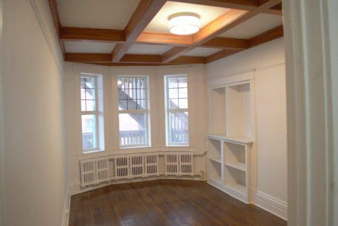 Glen Road - 3 bedroom living room