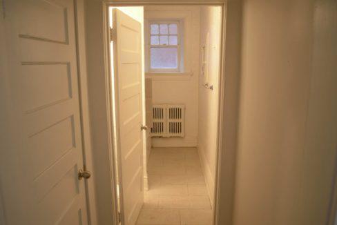 Glen Road - 3 bedroom washroom