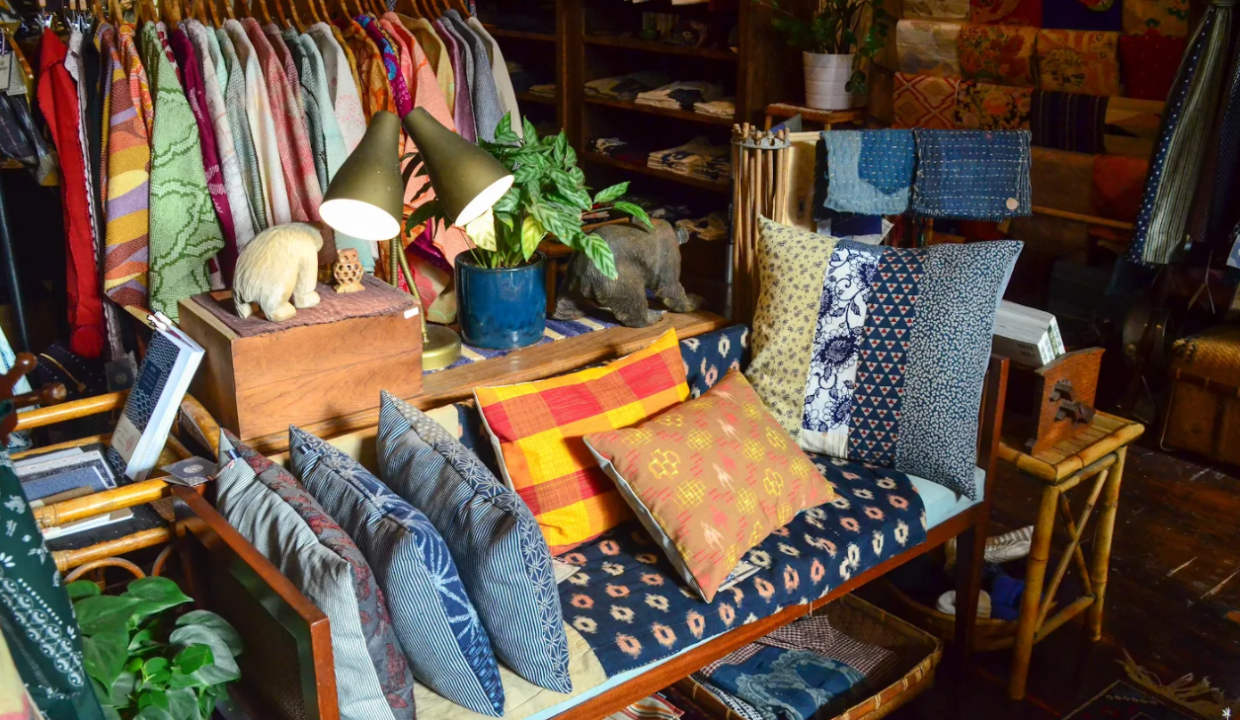 decorate your apartment with thrift store finds